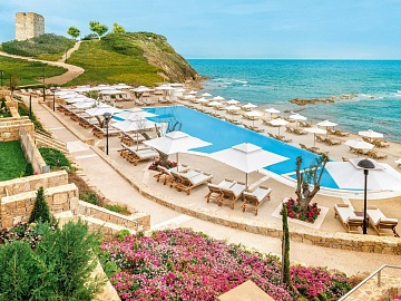SANI BEACH CLUB & SPA